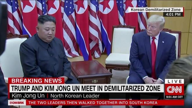 Tong thong Trump den DMZ anh 9