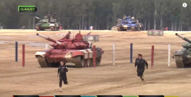 Doi xe tang Viet Nam xuat sac gianh huy chuong bac tai Tank Biathlon hinh anh 11