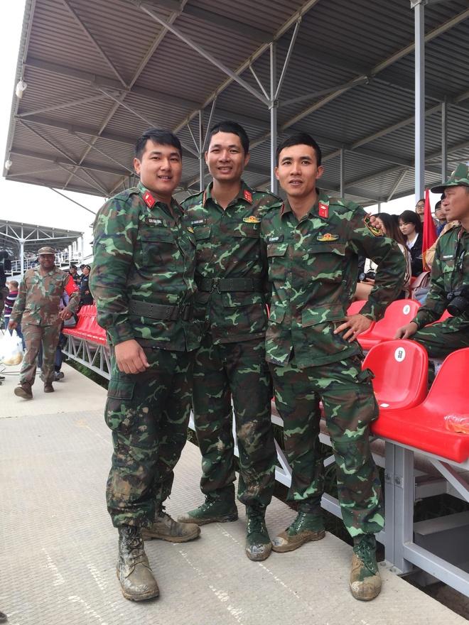 Doi xe tang Viet Nam xuat sac gianh huy chuong bac tai Tank Biathlon hinh anh 24