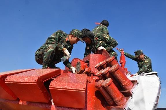 Doi xe tang Viet Nam xuat sac gianh huy chuong bac tai Tank Biathlon hinh anh 18