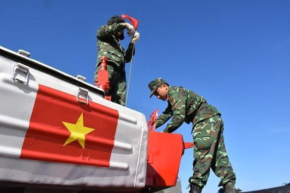 Doi xe tang Viet Nam xuat sac gianh huy chuong bac tai Tank Biathlon hinh anh 19