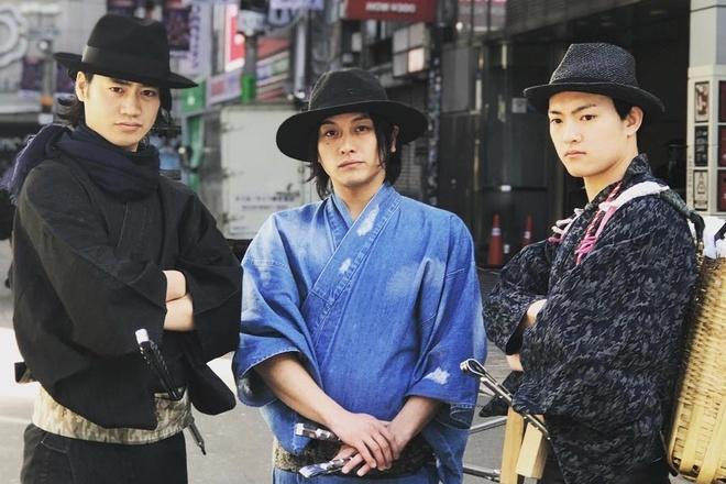 Nhat rac phong cach samurai hut khach o Nhat Ban hinh anh