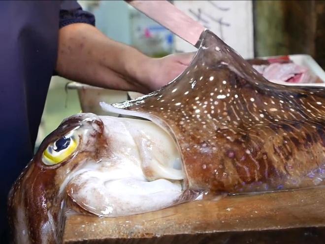Man so che muc nang khong lo lam mon sashimi an tuong hinh anh
