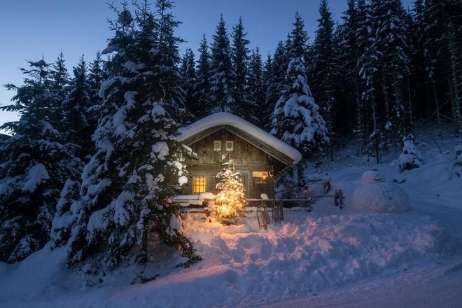 Nhung vung dat phu trang bang tuyet trong mua dong hinh anh 17 austria_altenmarkt_zauchensee_sledges_snowman_and_royalty_free_image_1575038496.jpg