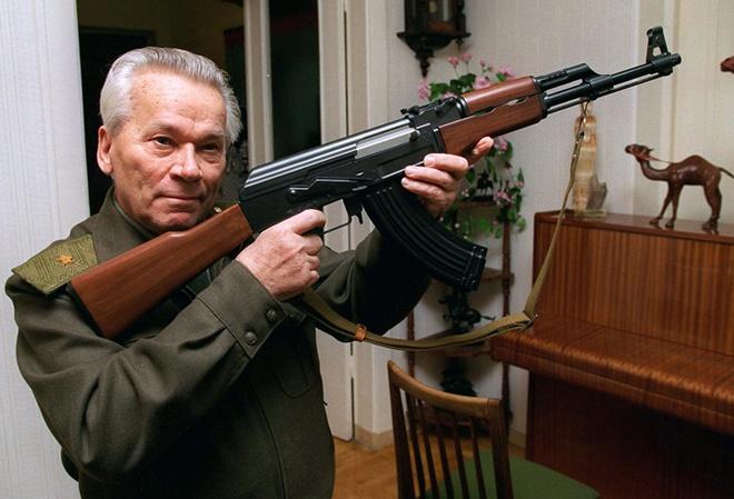 Cha de sung truong huyen thoai AK-47 qua doi hinh anh