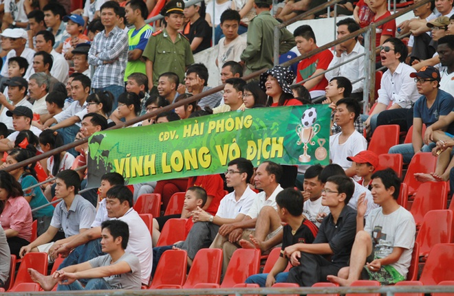 CDV Hai Phong choi dep, co vu cuong nhiet cho Vinh Long hinh anh