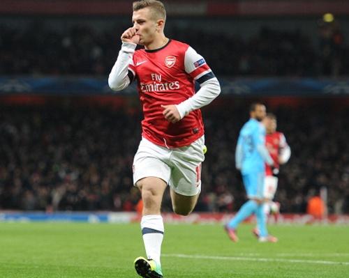 Wilshere ghi ban sieu nhanh, Arsenal dan dau 'bang tu than' hinh anh