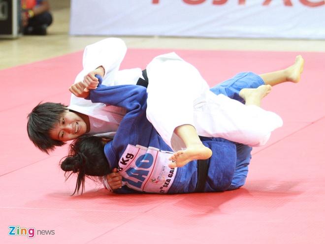 Lich thi dau SEA Games 20/12: Nong 3 tran chung ket bong da hinh anh 3