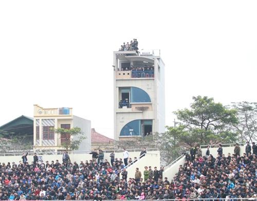 CDV Quang Ninh danh du voi tu than de xem V.League hinh anh