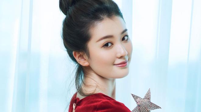 My nhan 9X giau co nhat showbiz Trung Quoc song xa xi nhu the nao? hinh anh 14