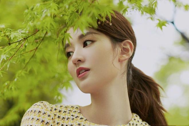 My nhan 9X giau co nhat showbiz Trung Quoc song xa xi nhu the nao? hinh anh 12