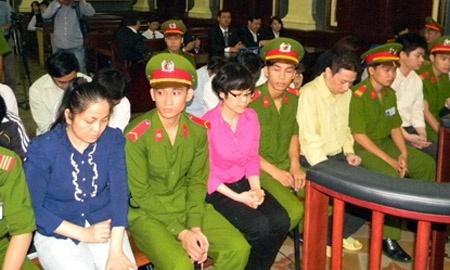 Huyen Nhu khang cao xin tra nha tri gia 43 ty hinh anh 1