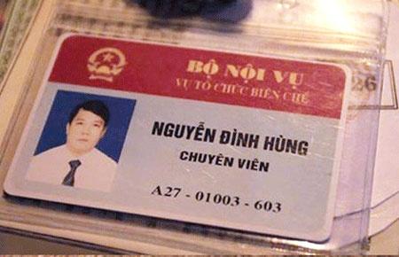 Chuyen vien Bo Noi vu rut the 'doa' CSGT bi phat 12,5 trieu hinh anh