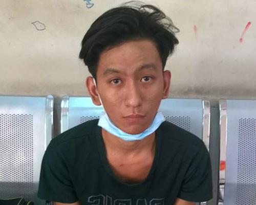 'Hiep sy' Minh Tien tay khong khong che con do cam dao hinh anh