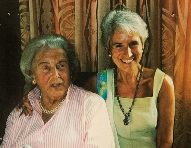 Su song ky dieu giua trai tap trung tu than thoi Duc Quoc xa hinh anh 3 Bà Eva, người sống sót qua nạn diệt chủng trẻ nhất, bên mẹ Anka khi bà Anka 90 tuổi. Ảnh: Daily Mail