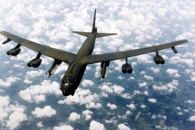 Nhung lan doi dau tren khong giua My va Trung Quoc hinh anh 3 Máy bay B-52 Stratofortress của Mỹ. Ảnh: AFP