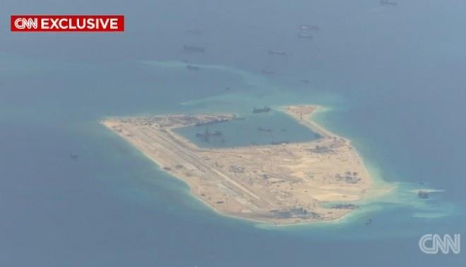 Doi thoai Shangri-La: Co hoi ha nhiet Bien Dong hinh anh 2 Phi cơ P8-A Poseidon, máy bay tuần tra hiện đại nhất của Mỹm theo dõi hoạt động xây dựng trái phép của Trung Quốc ở Biển Đông. Ảnh: CNN