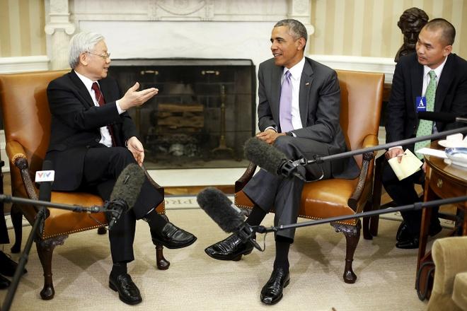 My xem Viet Nam la doi tac chien luoc quan trong hinh anh 1 Tổng Bí thư Nguyễn Phú Trọng hội đàm cùng Tổng thống Mỹ Barack Obama ở Nhà Trắng ngày 7/7. Ảnh: Reuters