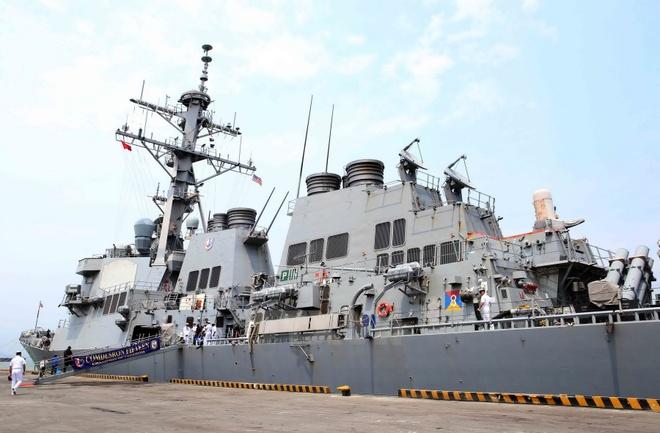 Quan he Viet - My buoc vao ky nguyen moi hinh anh 4 Tàu USS Fitzgerald (DDG 62) cùng các sỹ quan và thủy thủ đoàn cập cảng Tiên Sa. Ảnh: TTXVN