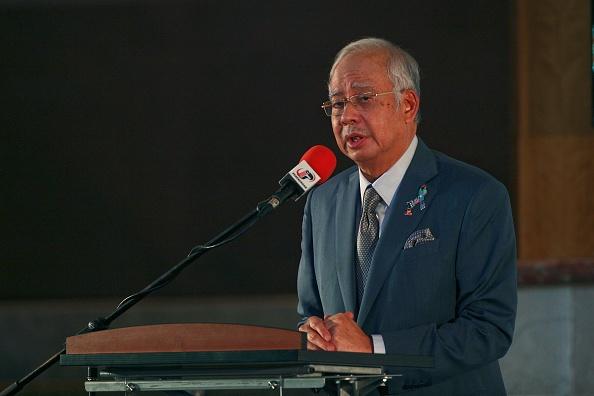 Dan Malaysia roi nuoc mat tuong niem 1 nam tham kich MH17 hinh anh 1 Thủ tướng Malaysia Najib Razak phát biểu chia buồn cùng các người thân của những hành khách trên máy bay xấu số của hãng Malaysia Airlines.