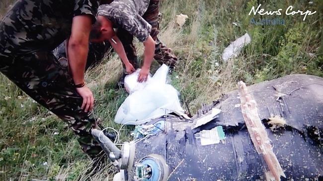 Video hien truong moi cao buoc thu pham ban ha MH17 hinh anh