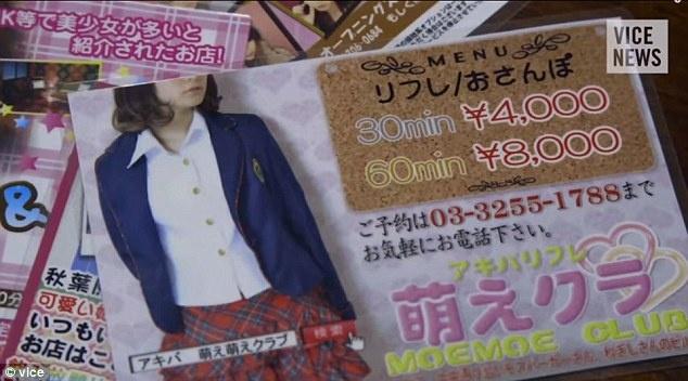 Một người đàn ông phải trả khoảng 4.000 yen để hẹn hò với cô gái trong 30 phút. Ảnh: Vice