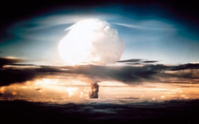 Ngay kinh hoang o Hiroshima qua loi phi cong nem bom hinh anh