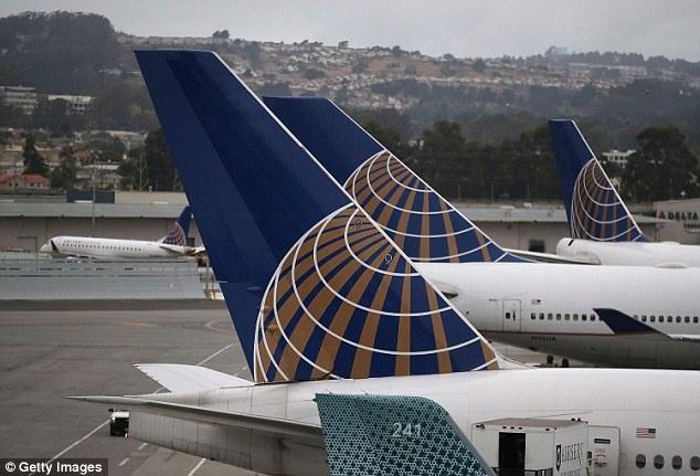 Các máy bay của hãng United Express. Ảnh: