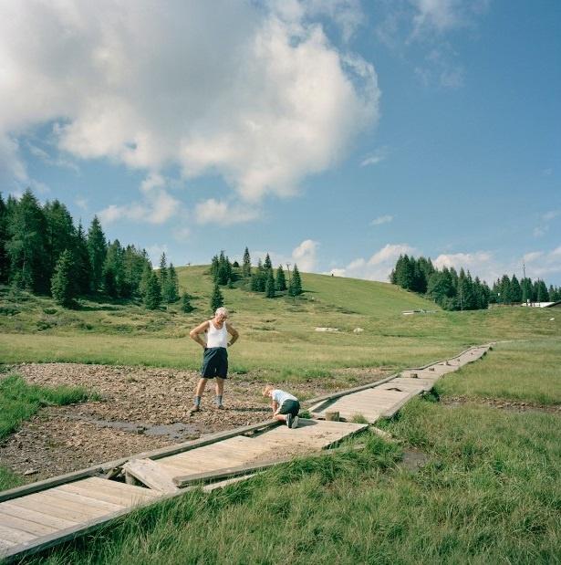 Nhung duong bien gioi ai cung co the vuot qua o chau Au hinh anh 11 Tháng 8 hàng năm, hai ngôi làng Pontebba (bên trái) thuộc Italia và Tropolach, Áo, đều tổ chức sự kiện giao lưu cho người dân trong vùng.