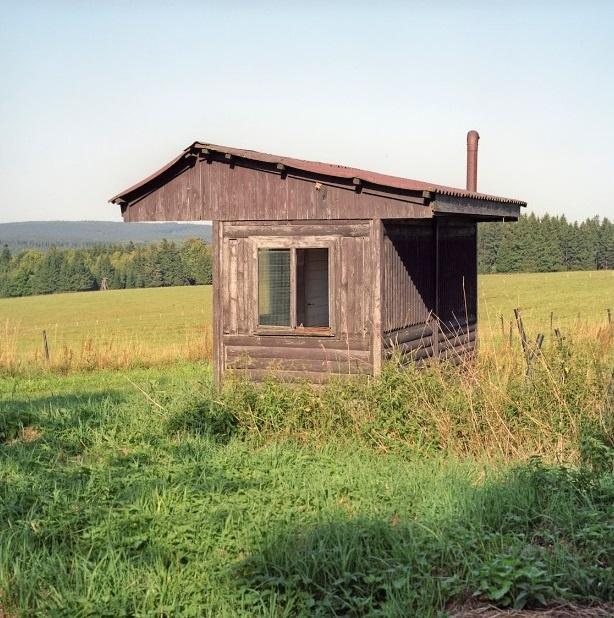 Nhung duong bien gioi ai cung co the vuot qua o chau Au hinh anh 7 Đồn biên phòng cũ nằm ở giữa biên giới Đức và Cộng hòa Czech. Biên giới Đức - Czech dài khoảng 815 km.