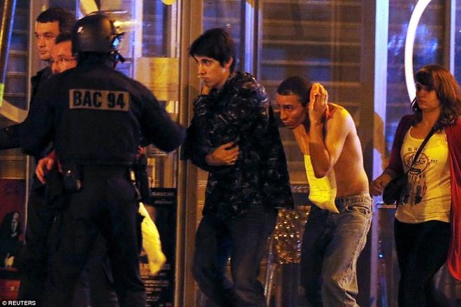 Nhom khung bo chi ton 7.000 euro de gay chan dong Paris hinh anh