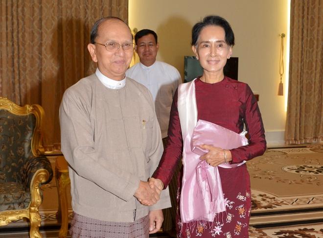 Ba Suu Kyi gap ong Thein Sein ban ve chuyen giao quyen luc hinh anh 1