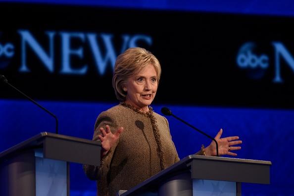 Dang Cong hoa My cong kich ba Clinton vi phat bieu ve IS hinh anh