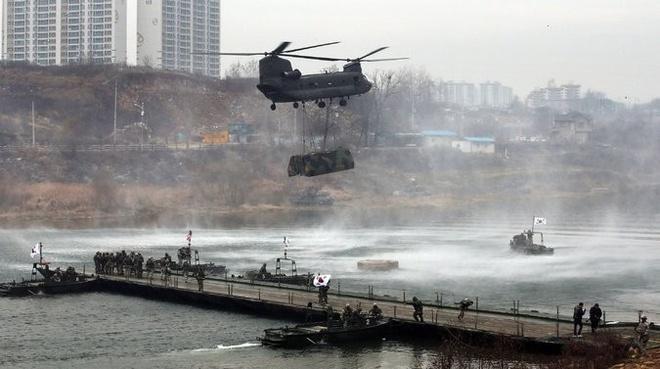 Doanh thu xuat khau vu khi My tang dang ke hinh anh 1 Hàn Quốc là một trong những nước mua vũ khí của Mỹ nhiều nhất trong năm 2014. Ảnh: NYT