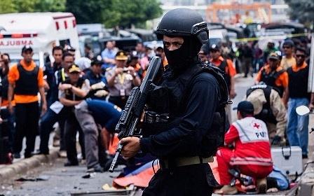 Indonesia bat them nghi pham vu khung bo o Jakarta hinh anh