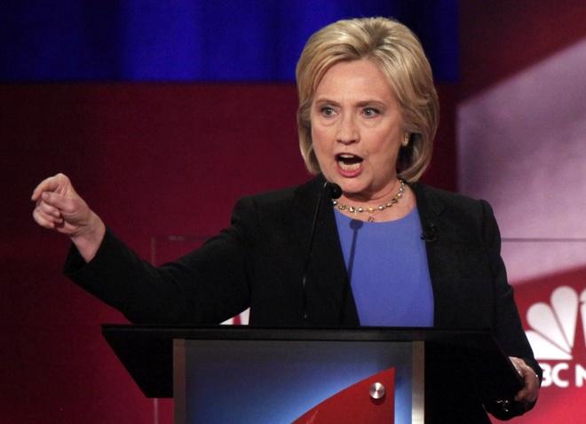 Ba Clinton cong kich doi thu trong tranh luan lan cuoi hinh anh