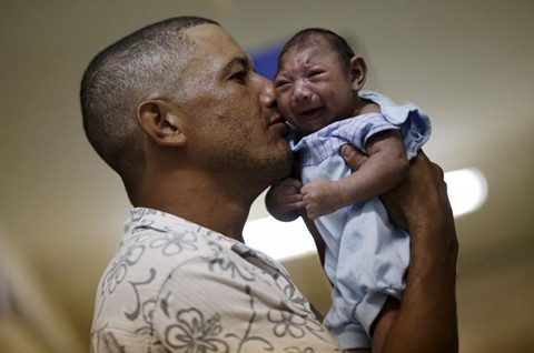 Colombia co cac ca tu vong dau tien vi virus Zika hinh anh