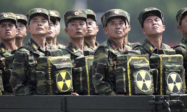 Kim Jong Un ra lenh san sang su dung vu khi hat nhan hinh anh 1