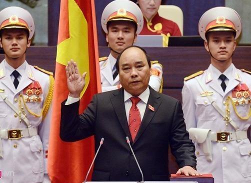 Thu tuong Nguyen Xuan Phuc va thach thuc tang truong kinh te hinh anh