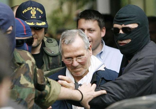 'Bo gia' mafia Italy chet trong tu hinh anh
