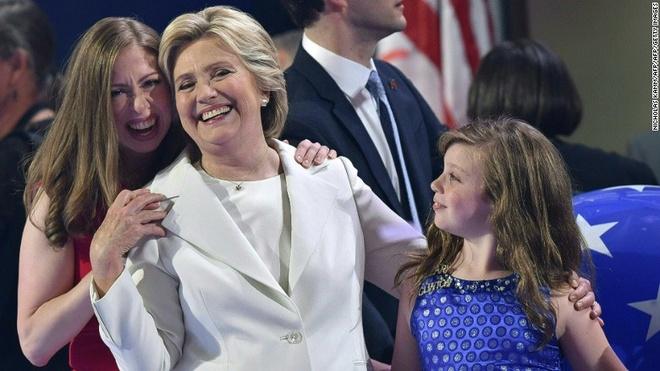 Clinton nhan de cu ung vien TT: 'Nuoc My khong so hai' hinh anh
