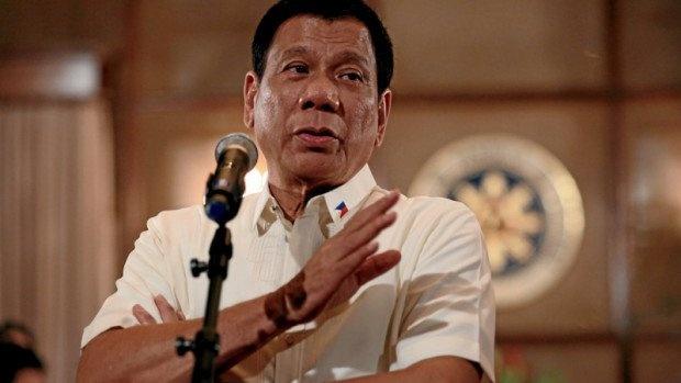 Tong thong Philippines beu ten quan chuc bi nghi buon ma tuy hinh anh