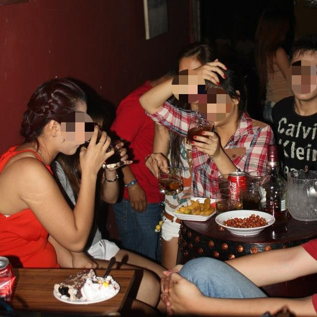 Quan bar Sai Gon: Disneyland cua cac ong Tay nghi huu hinh anh 2