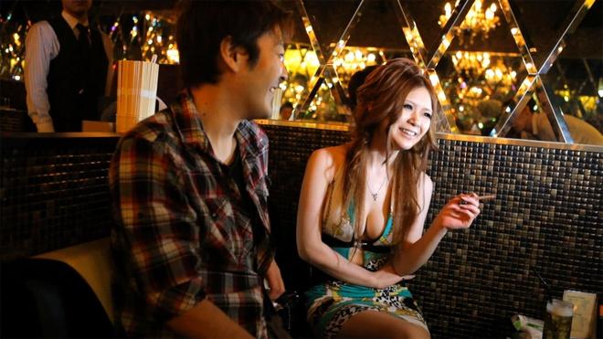 The gioi quan bar Sai Gon: Quyen luc cua ma mi hinh anh