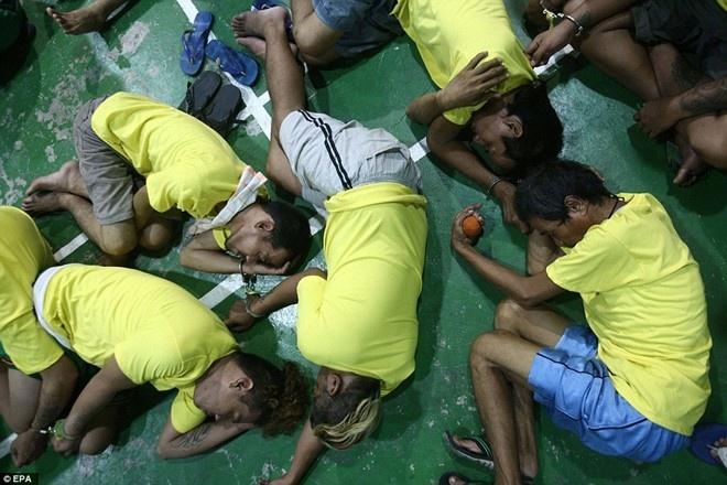 TT Philippines: 1.800 nguoi chet khong phai diet chung hinh anh 1