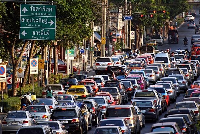 Ket xe khien Bangkok thiet hai 320 trieu USD moi nam hinh anh