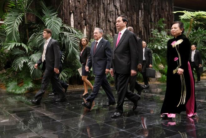 Chu tich Tran Dai Quang hoi dam cung Chu tich Raul Castro hinh anh 2