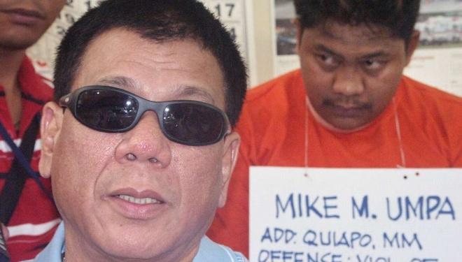 Duterte: Toi tung giet toi pham de lam mau cho canh sat hinh anh 1