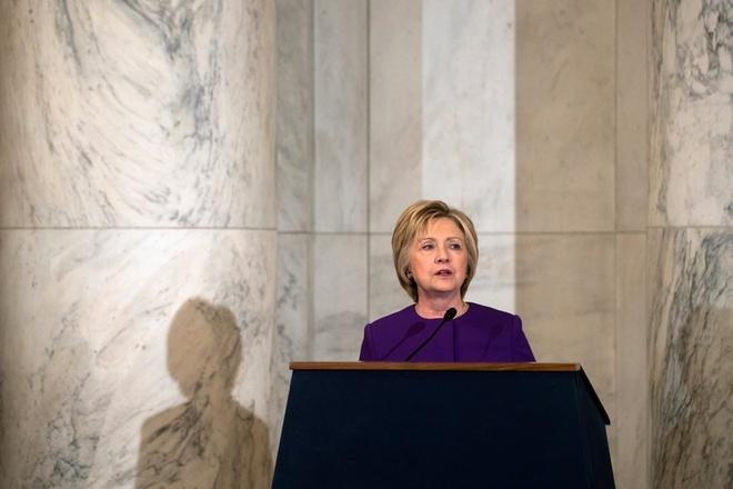 Ba Clinton, ong Obama, FBI cung to Nga can thiep bau cu My hinh anh 1