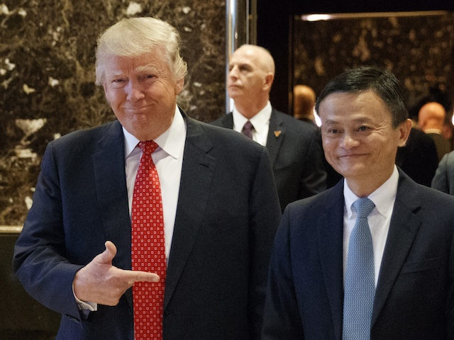 Trump don ty phu Jack Ma, ban chuyen tao mot trieu viec lam hinh anh
